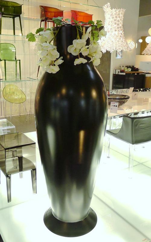 vase xxl kartell rouen le buzz de rouen. Black Bedroom Furniture Sets. Home Design Ideas