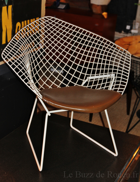 fauteuil bertoia rouen le buzz de rouen. Black Bedroom Furniture Sets. Home Design Ideas