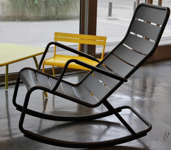 Fauteuil jardin fermob 2 le buzz de rouen for Rocking chair exterieur