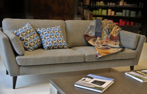 canape sits myntha le buzz de rouen. Black Bedroom Furniture Sets. Home Design Ideas