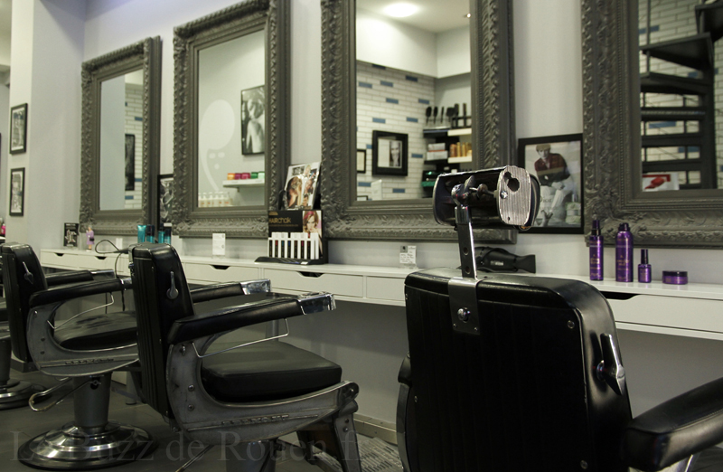 L 39 etablissement salon de coiffure institut le buzz for Salon a rouen