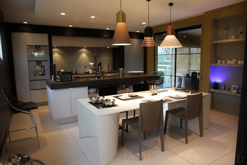 Les espaces cuisines de la villa le carr le buzz de rouen for Cuisines design 2014