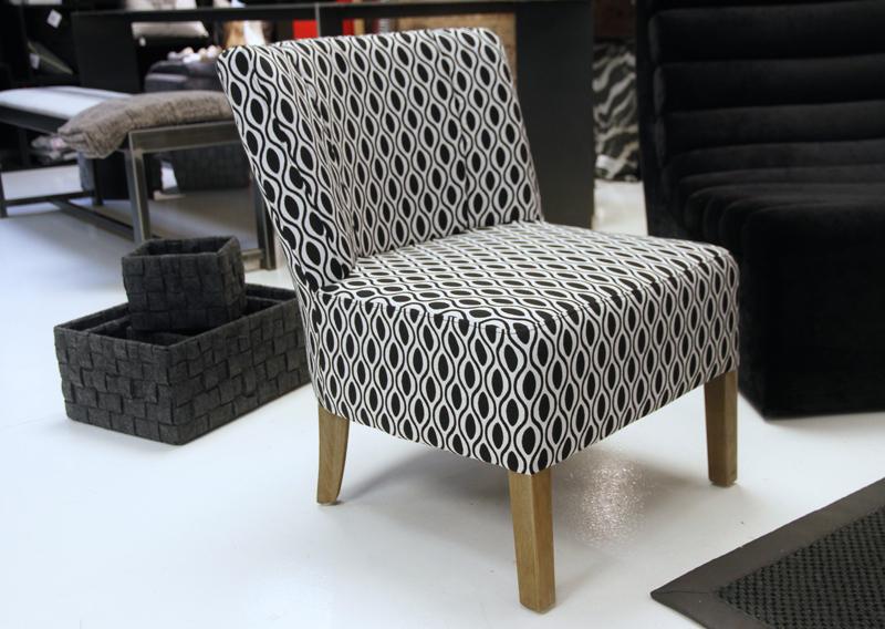 nettoyer un fauteuil en tissu comment nettoyer un fauteuil en tissu 4 pieds tables chaises et. Black Bedroom Furniture Sets. Home Design Ideas