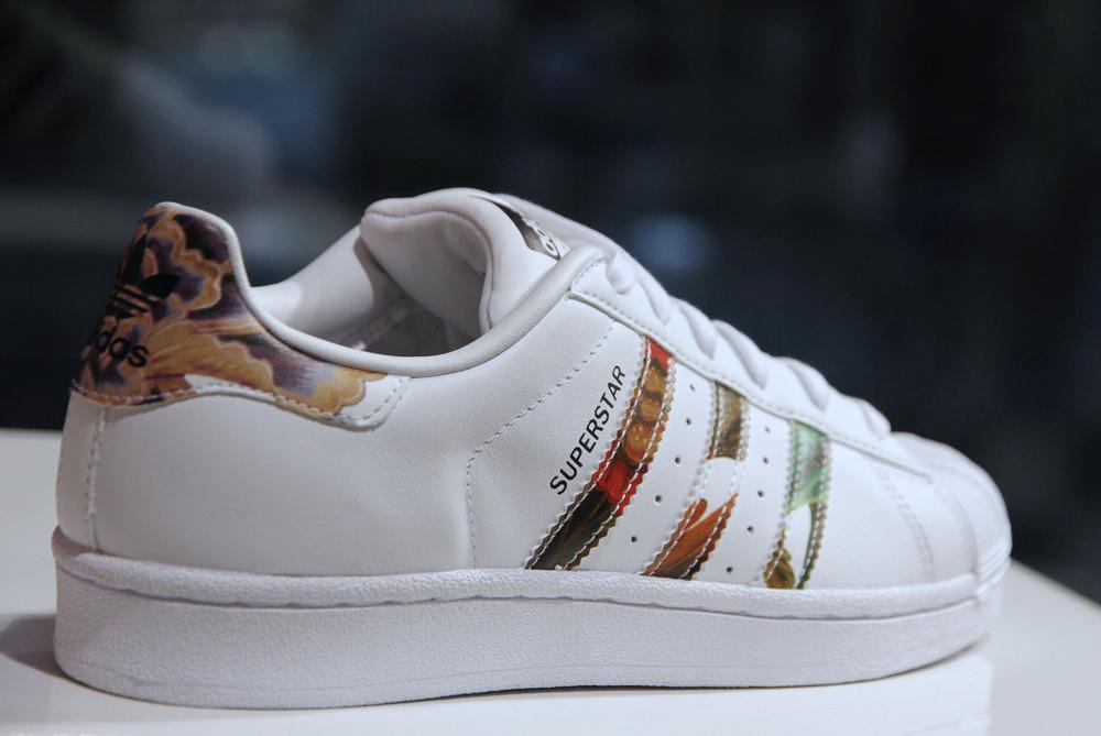 adidas-superstar-talon-fleurs