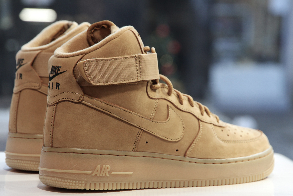 meilleures baskets 7677c 8f9cd Nike Air Force 1 Suede Homme dealonpro.fr