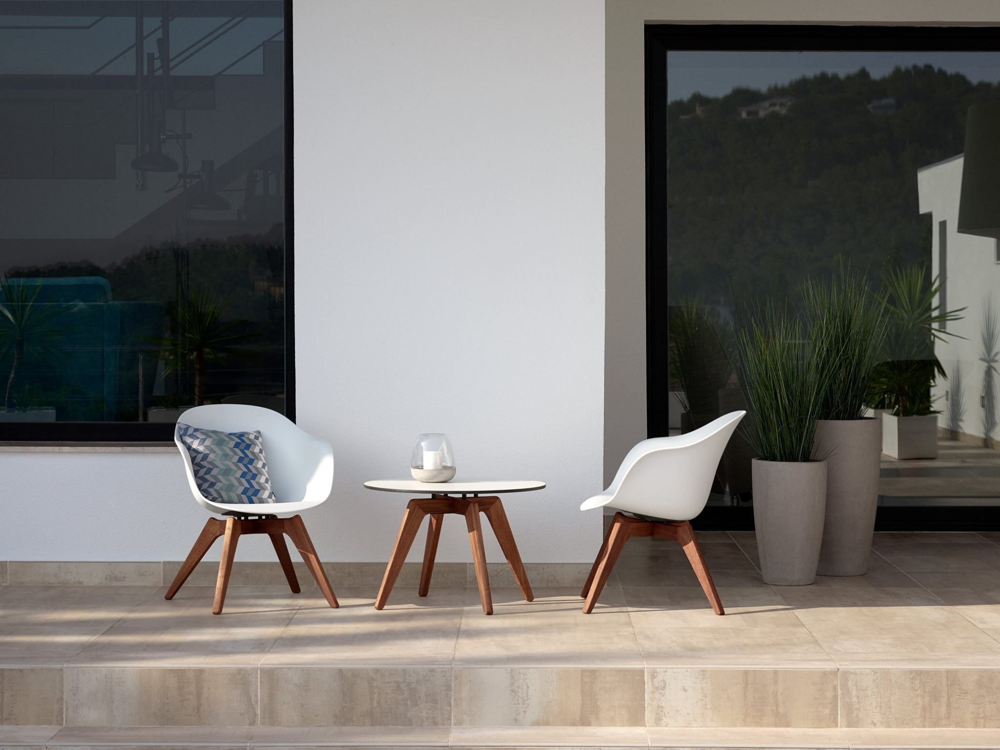 tables-fauteuils-outdoor-boconcept